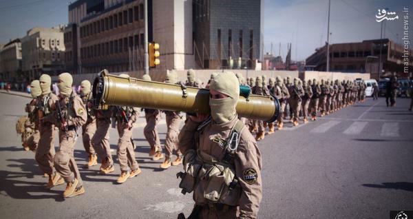 رژه علنی داعش در موصل /تصاویر