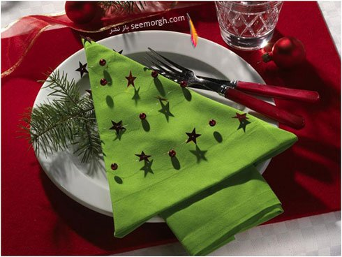 تزیین دستمال سفره به شکل درخت کریسمس برای سال نو میلادی