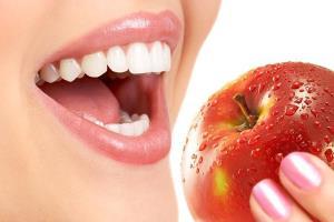 چگونه با این روشهای ساده دندانهای سفیدی داشته باشیم