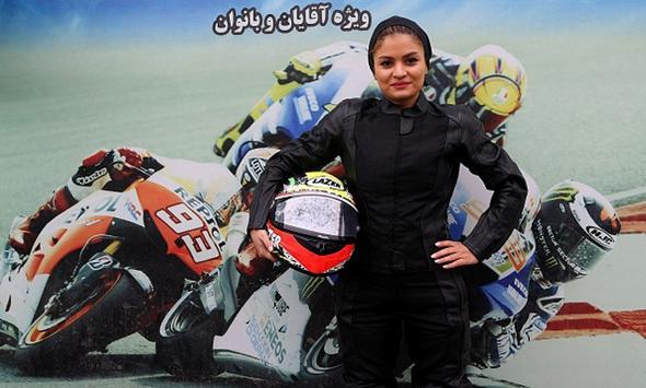 تصاویر : اولین بانوی موتورسوار ایرانی