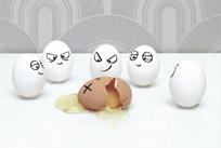 شوخی خنده دار جالب با تخم مرغ ها + عکس