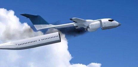 جدا شدن کابین از هواپیمای در حال سقوط