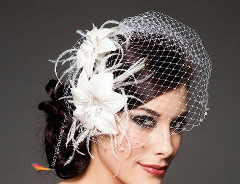 تزیین موی عروس با تور کوتاه و گل - مدل شماره 6