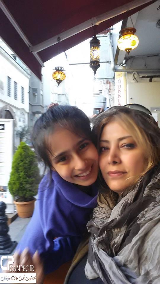 عکس شخصی لادن طباطبایی با دخترش