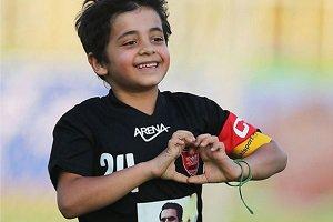 پسر هادی نوروزی در استخر + عکس