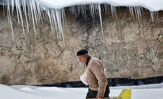 تصاویری از برف در روستای تاریخی کندوان