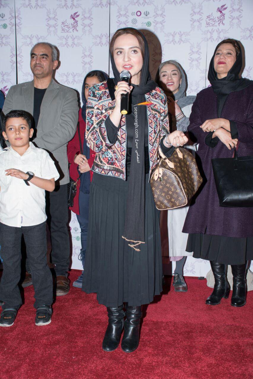 مدل لباس گلاره عباسی در پنجمین روز سی و چهارمین جشنواره فیلم فجر - پردیس ملت
