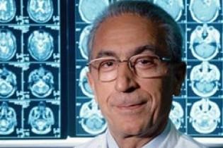 جراح برجسته ایرانی «نشان طلایی لیاقت» گرفت