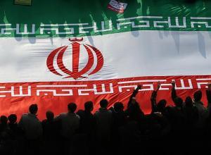 آخرین سلسلهٔ پادشاهی ایران، سرانجام سقوط کرد