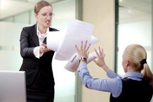 اگر مدیر شما هم زورگو است، اینگونه با او رفتار کنید!!