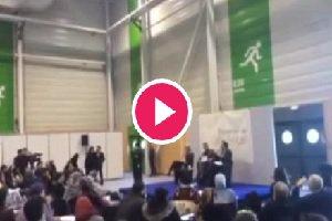فیلم عریان شدن زنان فمنیست در نشست اسلامی پاریس