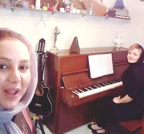 بهنوش بختیاری و تمرین خوانندگی