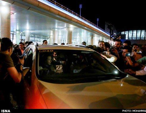 ترک فرودگاه توسط عوامل فیلم فروشنده