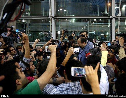 عکسهای استقبال مردم از عوامل فیلم فروشنده در فرودگاه امام تهران
