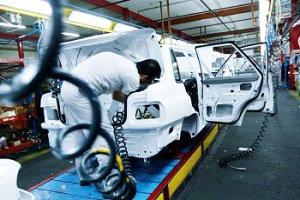 سرنوشت شوم خودرو در سال ۹۵ با افزایش قیمتها از سوی شورای رقابت