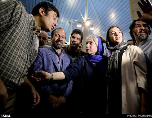رخشان بنی اعتماد در کنار اصغر فرهادی و ترانه علیدوستی