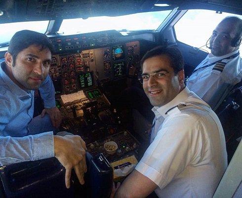 عکس وحید هاشمیان در کابین خلبان