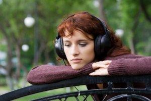 درمان افسردگی با گوش کردن آهنگ های غمگین