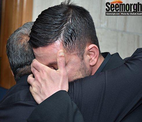 گریه کردن محمد در مراسم هفتم پدرش حبیب