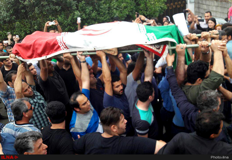 تصاویر مراسم تشییع جنازه حبیب با حضور مردم + فیلم