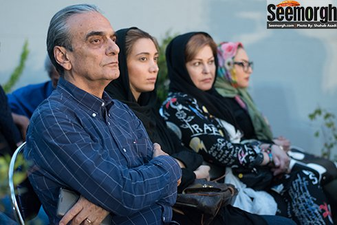 اکرم محمدی در کنار نیکی مظفری و همایون ارشادی
