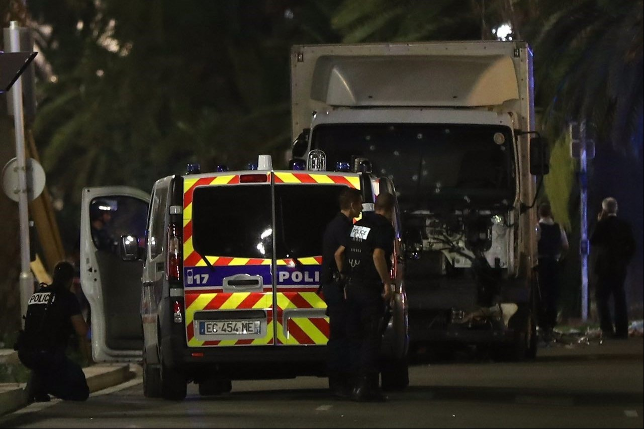 جزئیات حادثه تروریستی در فرانسه /تصاویر