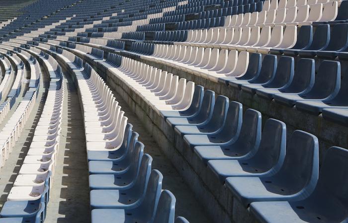 نصب صندلی در طبقه دوم ورزشگاه آزادی /تصاویر