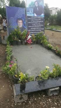 سنگ مزار حبیب محبیان در رامسر نصب شد /تصاویر