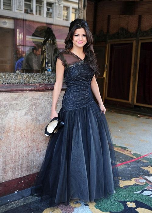 مدلهای زیبای لباس مجلسی به سبک سلنا گومز