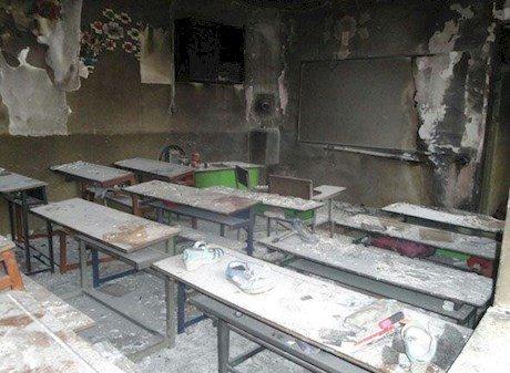 دانش آموزان مدرسه ای در کرمانشاه در شعله های آتش