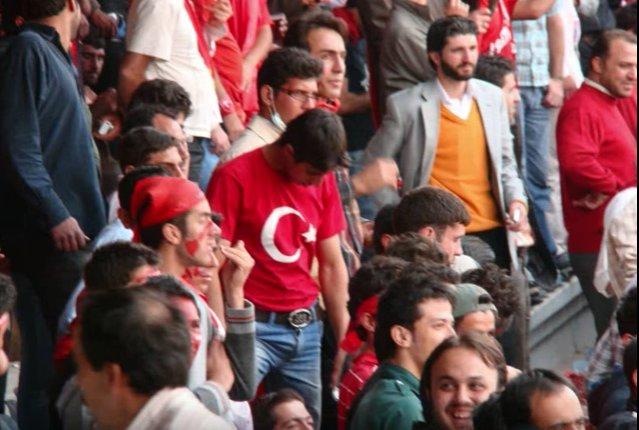 مقایسه جالب هواداران تراکتورسازی با هواداران بارسلونا