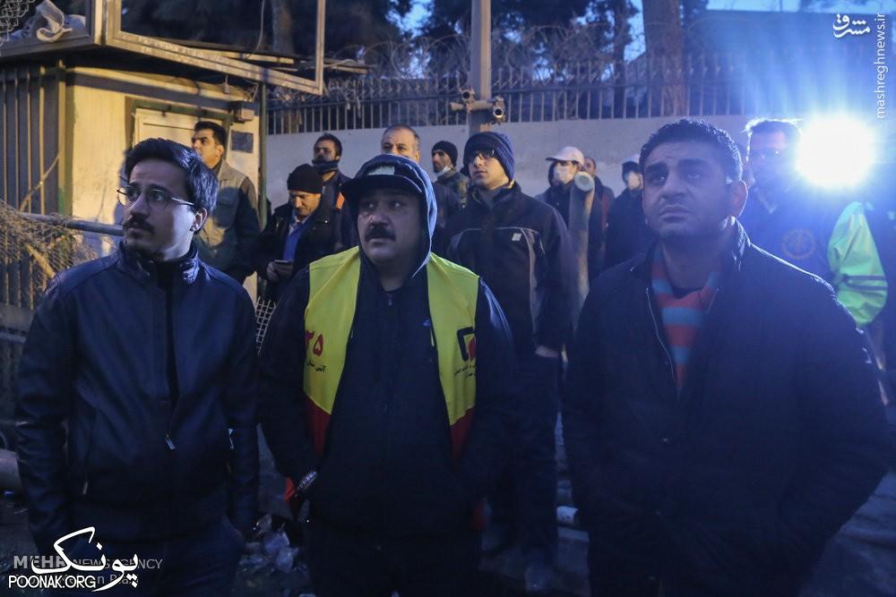 مهران غفوریان در محل اتفاق پلاسکو حضور یافت + عکس