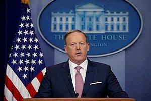 کاخ سفید: یا با برنامه ممنوعیت ورود ترامپ کنار بیایند یا اینکه بروند