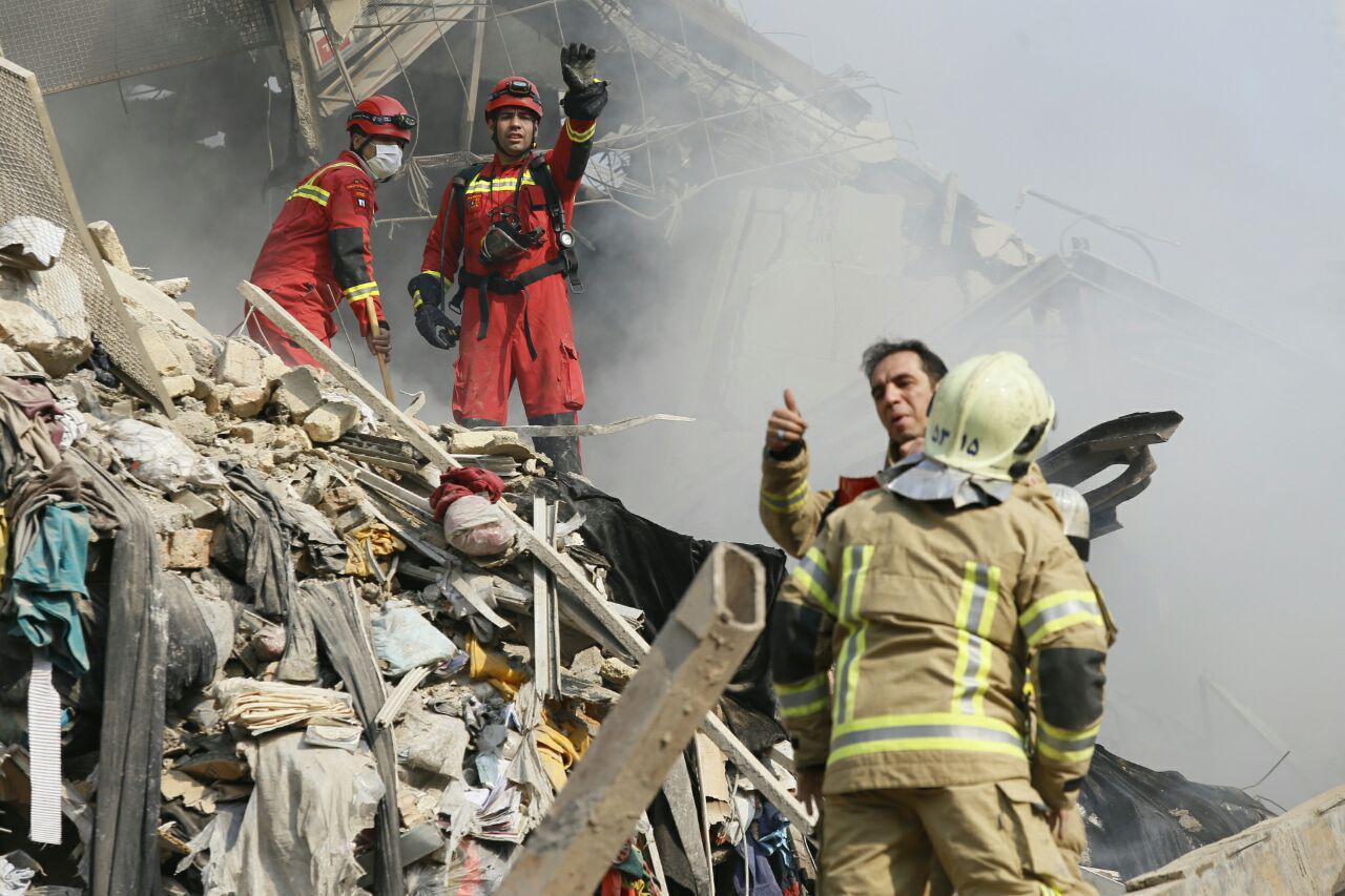 وضعیت آتش نشانان مصدوم حادثه پلاسکو در بیمارستان
