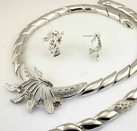 سرویس طلا و جواهر عروس,سرویس جواهرات,سرویس جواهر