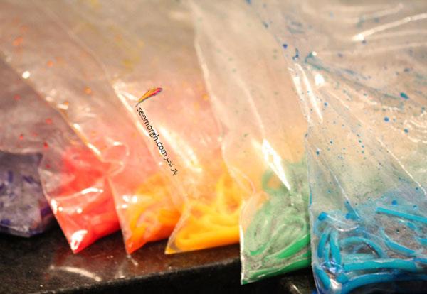 با رنگ های خوراکی ماکارونی ها را رنگ کنید