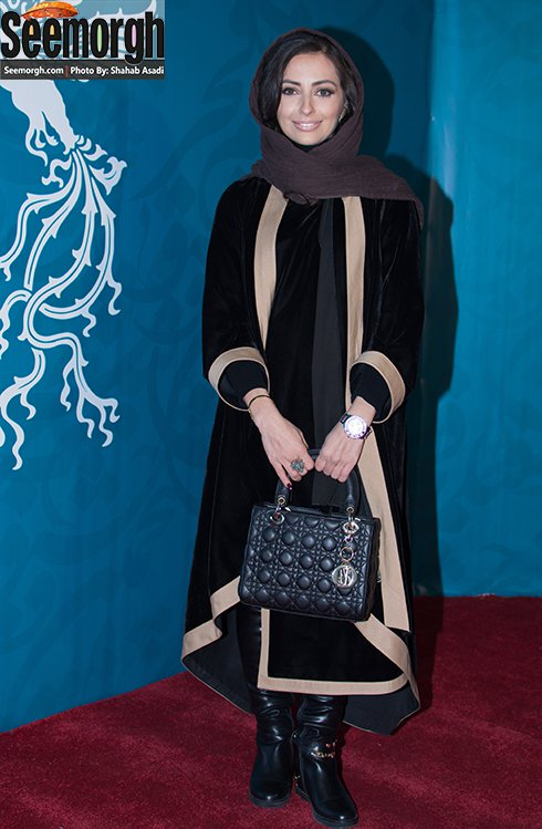 مدل مانتو نفیسه روشن در پنجمین روز جشنواره فجر 35