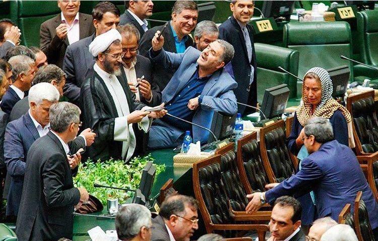 سلفی نمایندگان مجلس با خانم موگرینی دردسر ساز شد + عکس