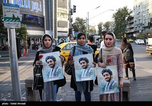 مراسم استقبال از پیکر شهید حججی در تهران (عکس)