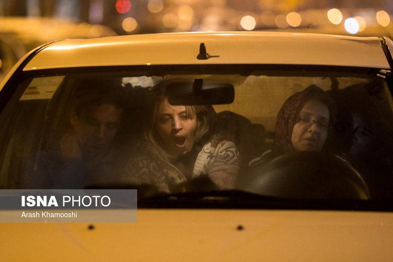 عکس های خوابیدن مردم تهران در خودرو هایشان از ترس زلزله