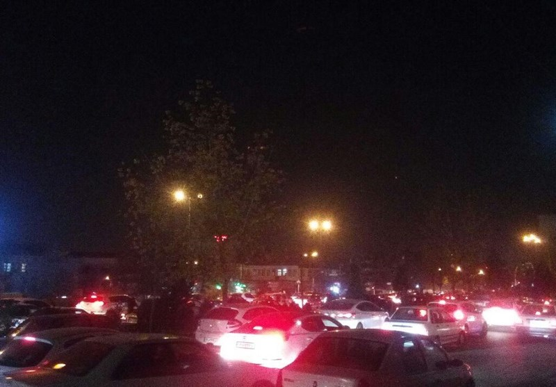 هجوم مجدد مردم تهران به خیابانها پس از زلزله امشب