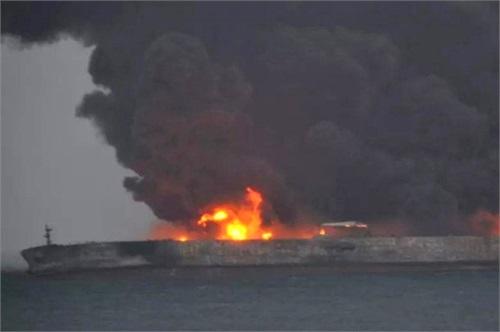 آخرین اخبار نفتکش ایرانی سانچی / کشتی سانچی غرق شد – 27 دی 96