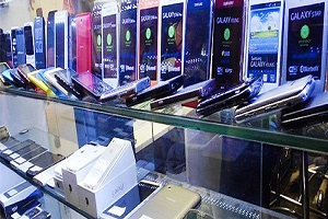 ۶۰۰ هزار دستگاه تلفن همراره با ارز دولتی وارد بازار میشود