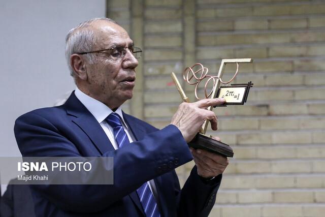 دکتر تومانیان سفیر علمی ایران و ارمنستان است/مشارکت این دانشمند با انجمن ریاضی برای اصلاح کنکور