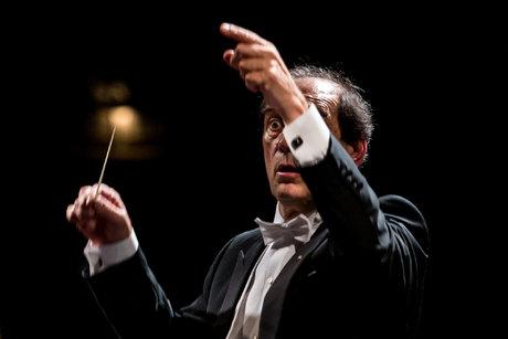 مشکل اصلی ارکستر سمفونیک تهران چیست؟