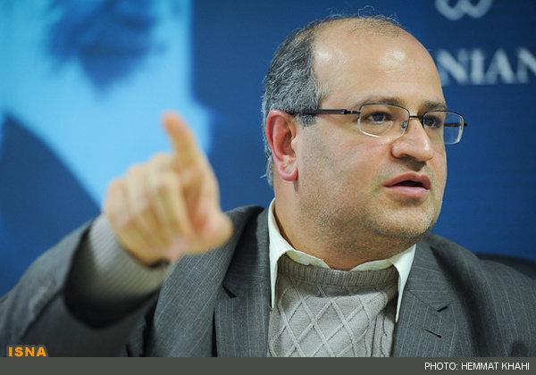 ۶۰ درصد تهرانیها کرونا را جدی نگرفتهاند/اخلال بین چرخه تولید و توزیع اقلام حفاظتی