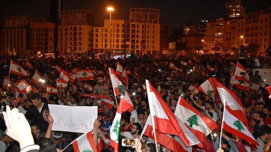 درگیری پلیس لبنان با تظاهرکنندگان خشمگین/ تصرف برخی وزارتخانه ها به دست معترضان