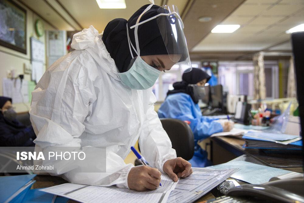 نحوه برگزاری امتحانات پایان ترم تغییر نمیکند/دانشجویان علوم پزشکی در اولویت دریافت واکسن کرونا