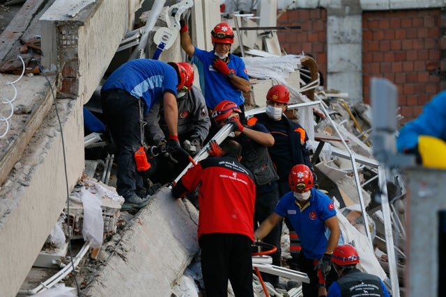 افزایش قربانیان زلزله در ترکیه به ۲۴ نفر/تعداد پسلرزهها به ۲۰۰ نزدیک شد