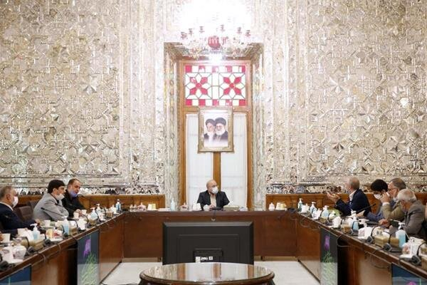 توافق دولت و مجلس برای تامین منابع کالاهای اساسی و اجرای کامل همسانسازی حقوق بازنشستگان